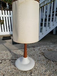 White and brown base floor lamp with drum lampshad Wayne, 19087