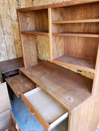 Solid wood desk with removable hutch.  Pick up only. Cash only.   Salem, 97317