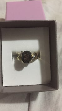Gold ring with box Coquitlam, V3K 5R2
