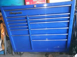 blue Snap-On tool cabinet