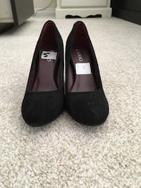 Pair of black of heels size 5 Calgary, T3A 6L3