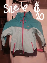Girls size 6 northface jacket Hillcrest Heights, 20746