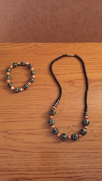 wood bead jewelry set Lincoln, 68502