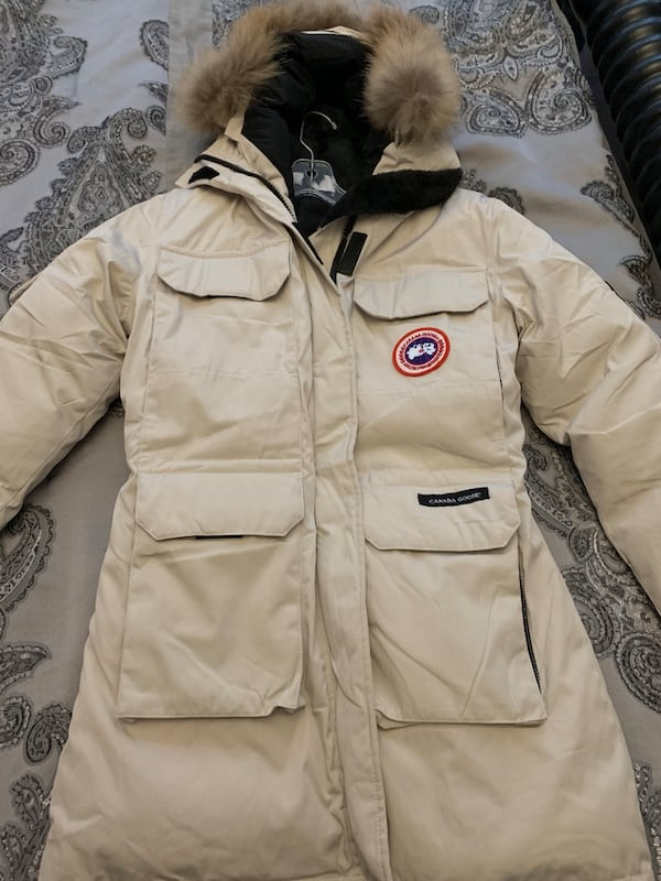 BNWT Off White CANADA GOOSE zip-up jacket - Ladies XS acad8101-4c07-4ae4-a19d-e9ef8571cec2