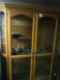 brown wooden framed glass display cabinet Palmdale, 93550