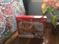Disney Holiday Gingerbread House Kit Mickey & Minnie Mouse Fairfax, 22033