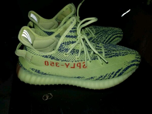 51d605032ac51 Used Frozen yellow yeezys for sale in Cicero - letgo