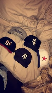 Fitted hats size 7 crooks is a SnapBack St-Pierre-Jolys, R0A