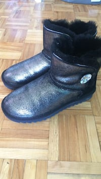 pair of black sheepskin boots Oakville, L6H 2S1