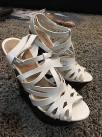 Pair of white leather open-toe ankle strap heels Surrey, V3S 8Y8