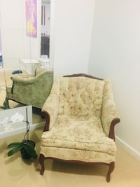 Beautiful antique chair  New Westminster, V3M 1G8