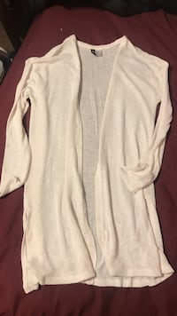 Small pale pink long sweater Louisville, 40219