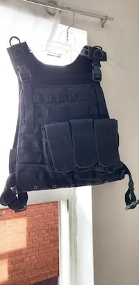 Black Vest, Stab proof. 3 mag pouch Toronto, M6R 2H8