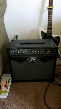 black and white Peavey guitar amplifier Ames, 50014