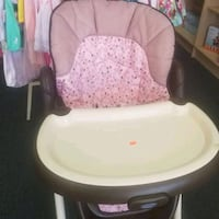 baby's white and pink high chair Beaumont, 92223