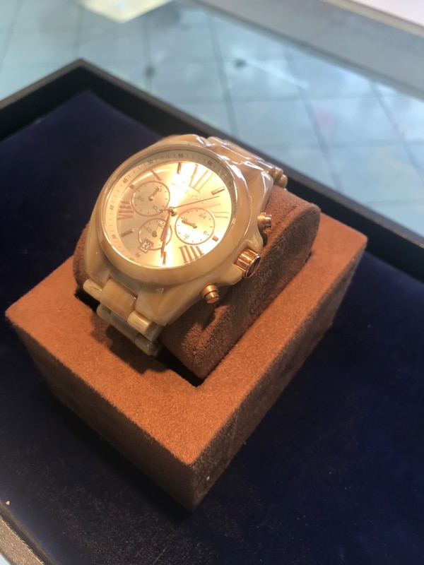 Michael Kors Watch 8255f270-5ccd-44a8-bccf-51cdced4ab34