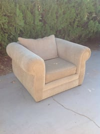 Single person couch Lancaster, 93536