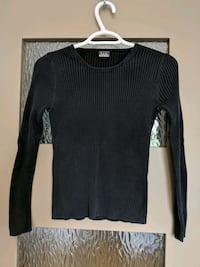 Black round neck long sleeve sweater size small