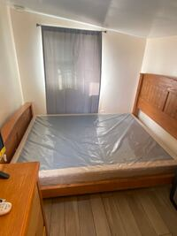 Queen bed with box spring