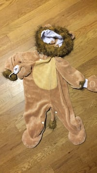 12-24 month lion costume   Fairfax, 22032