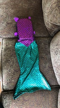 Mermaid life jacket Weight capacity 20 to 33 pounds  Langford, V9B 6T3