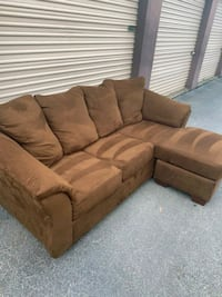 Reversible Chaise Sectional  - Local Delivery Available  Virginia Beach, 23455
