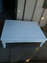 Large coffee table with drawer Albuquerque, 87112