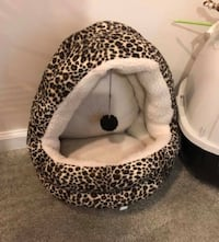 Cat Bed w/ Toy - Lightly Used Hanover, 21076
