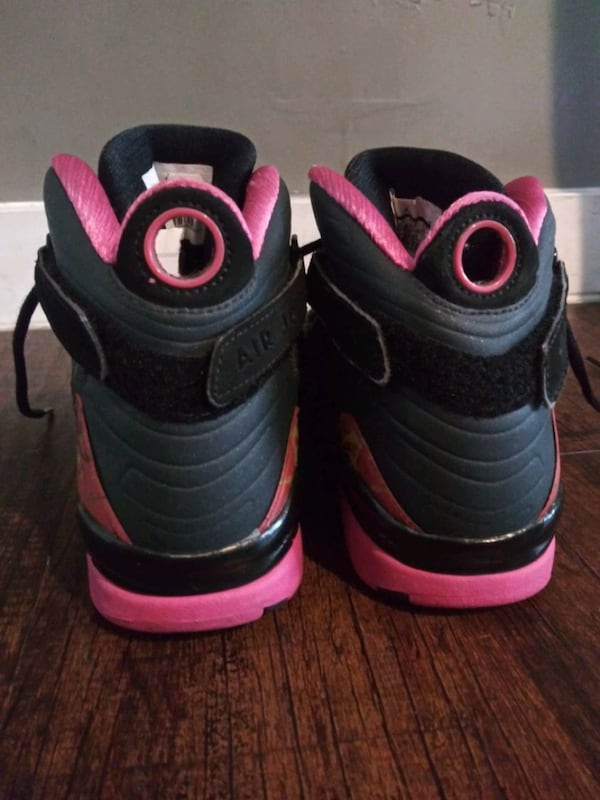REDUCED***GIRL'S SIZE 7 YOUTH JORDAN SHOES!*** 27e01175-457b-45a7-a9ef-08843721528f