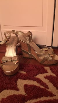 Guess gold wedges Watertown, 02472