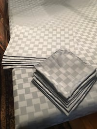 Large Blue Rectangle Tablecloth, 6 Placemats, 6 Napkins. Blue checkered pattern 1948 mi