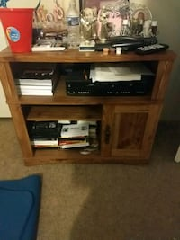 Wooden tv stand Cleveland, 35049