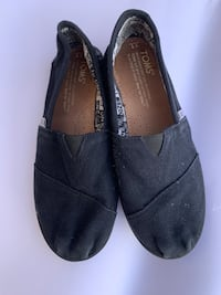 TOMS Black Shoes- 1Y