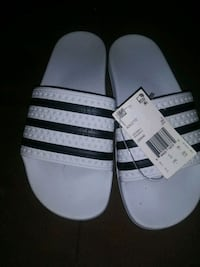 Band new Adidas slippers size 6 Queens, 11418