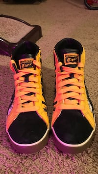 ASICS Onisuka Tiger 60th Anniversary Limited Edition shoe by Dutch graffiti artist. Rare AF. You will never see this shoe again! Omaha, 68154
