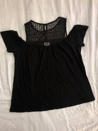 Women's black cold shoulder top size Large  Edgewater, 21037