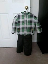 winter jacket and snow pant size 4t Pickering, L1Z