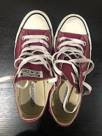 Maroon Converse Shoes - Men's 5 / women's 7 Surrey, V3V 1E8