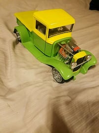 green and yellow plastic toy car Charles Town, 25414