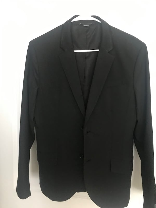 Grey and blue 40R two new suits with tags 15a77cd0-5608-48e7-ac40-556497a44b5b