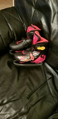 red-and-black ice skates Brampton, L7A 2S3