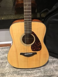 Brown and black acoustic guitar —negotiable Aurora, L4G 1H5