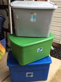 Set of three (3)  XL Sterlitre Storage Bins w/lids Bristow, 20136