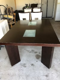table has extra piece to extend (Obo) North Las Vegas, 89084