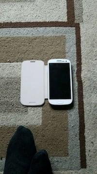 white Samsung Galaxy S3 with case Longueuil, J4G 1T1