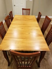 Kitchen table with 8 chairs Brampton, L6Z 3P5