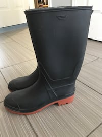 Rubber boots  Kitchener, N2G 5A1
