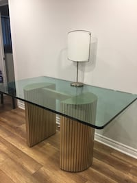 Glass-top dining table with brown base Montréal, H3X 2T2