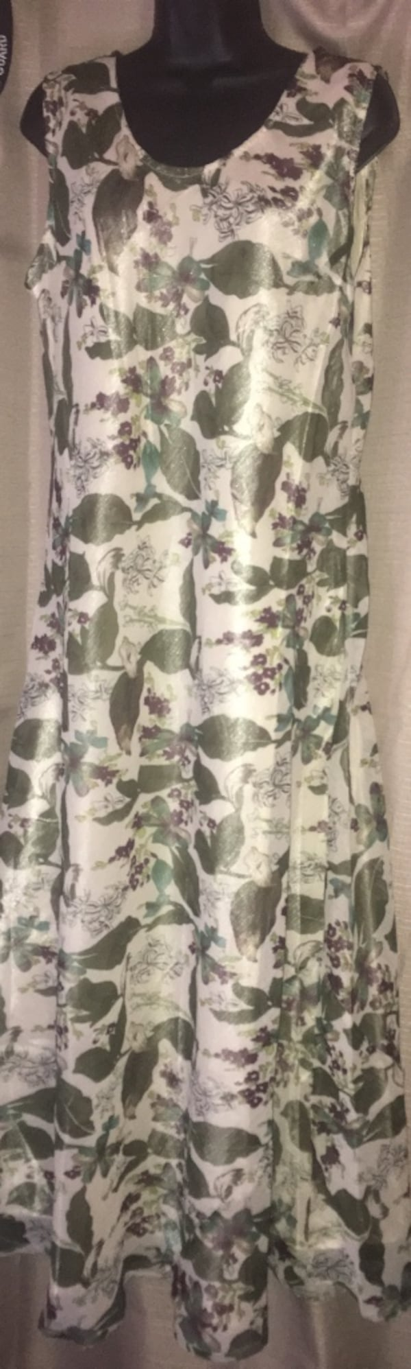 New without tags Nikky XXL dress with lining located off lake mead and jones area asking $10 5703b70a-e250-44e9-bd73-cbb98046f839