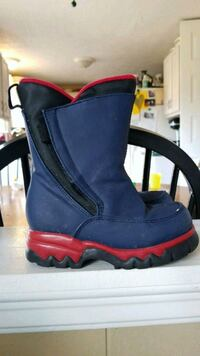Kid's Snow Boots size 10 Germantown, 20874